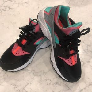 Nike Huarache Shoe *Excellent Condition *